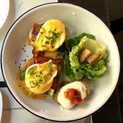 eggs benedict picnic restaurant barcelona