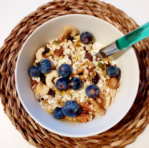 Greek Yogurt Breakfast Bowl: Blueberries and Muesli - Healthy Breakfast Ideas